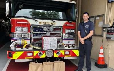 ThinkSecureNet and Grotto Pizza treat Seaford firefighters to lunch